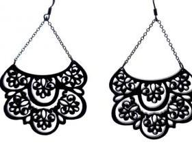 French Lace - Romantic chandelier earrings